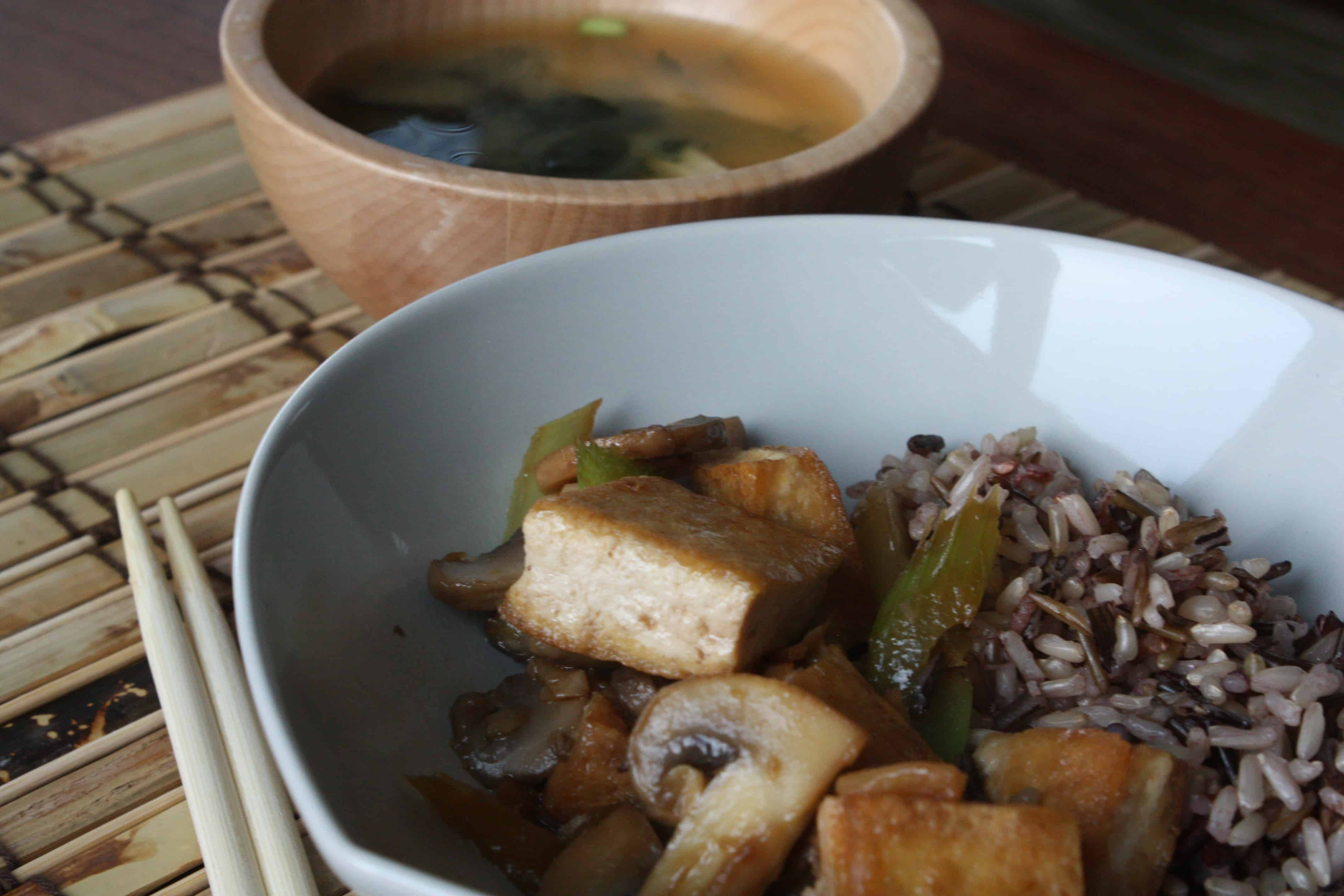 Stir-fried tofu with mushrooms and celery