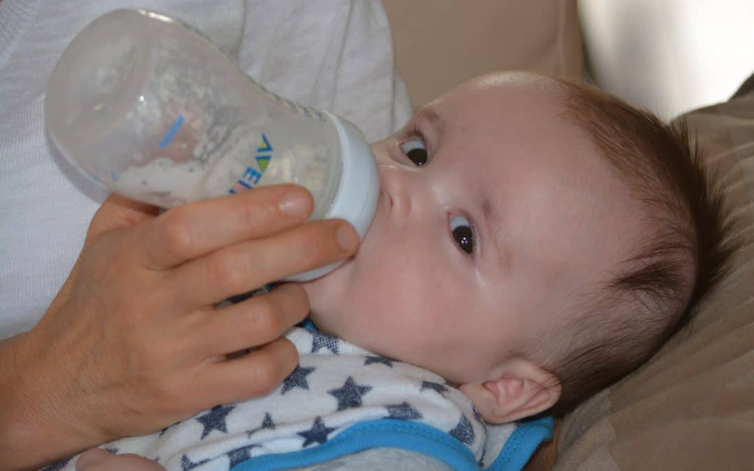 Bottle feeding in a responsive way