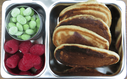 An easy way to pack a snack with PlanetBox Shuttle