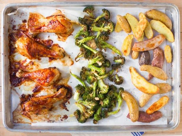 FNK_Sheetpan-Dinners-Drumsticks-Broccoli_s4x3.jpg.rend.snigalleryslide