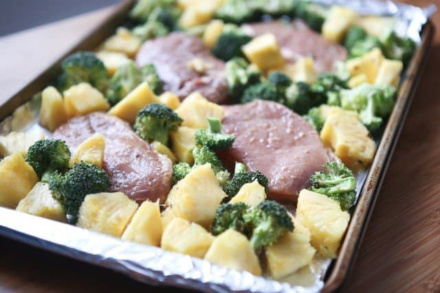 Sheet_Pan_Pork_Chops_Broccoli_Pineapple-640x427